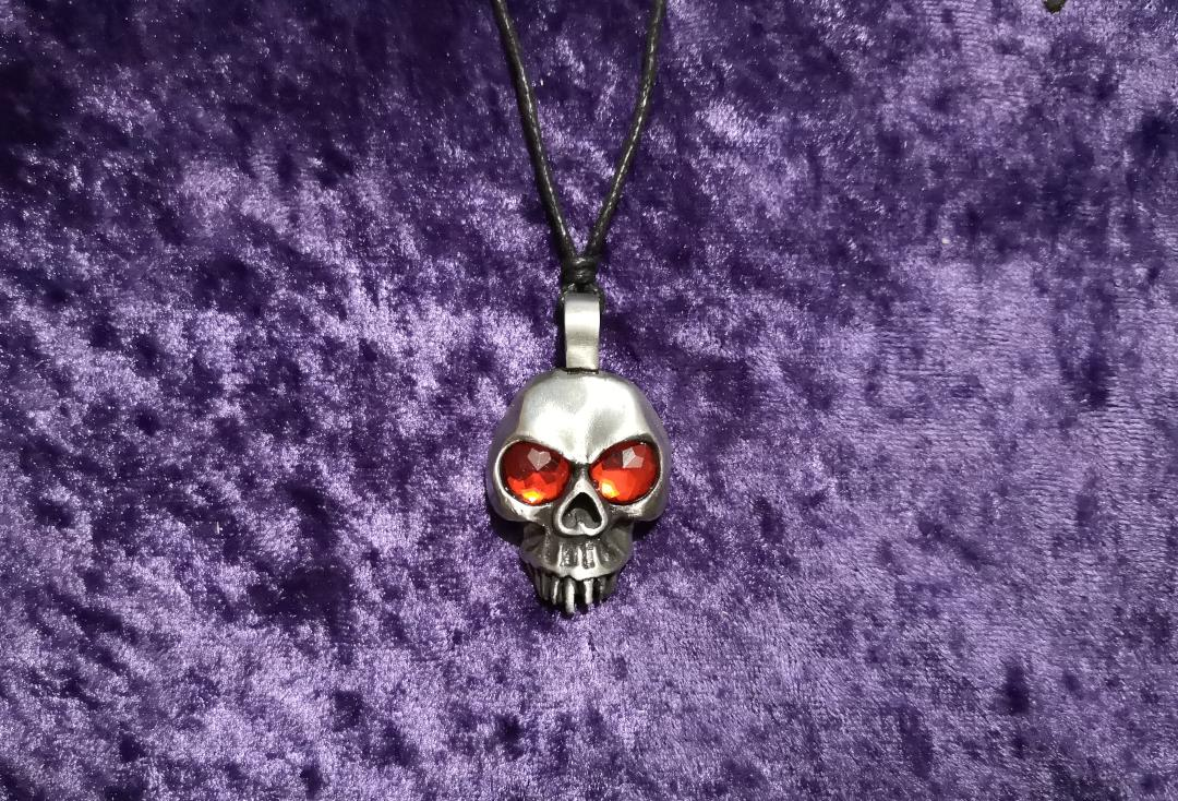 Void Clothing | Red Gem Eyed Skull Pewter Pendant