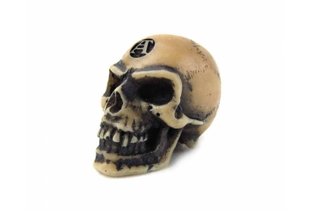 Alchemy Gothic | Lapillus Worry Skull Decoration - Front