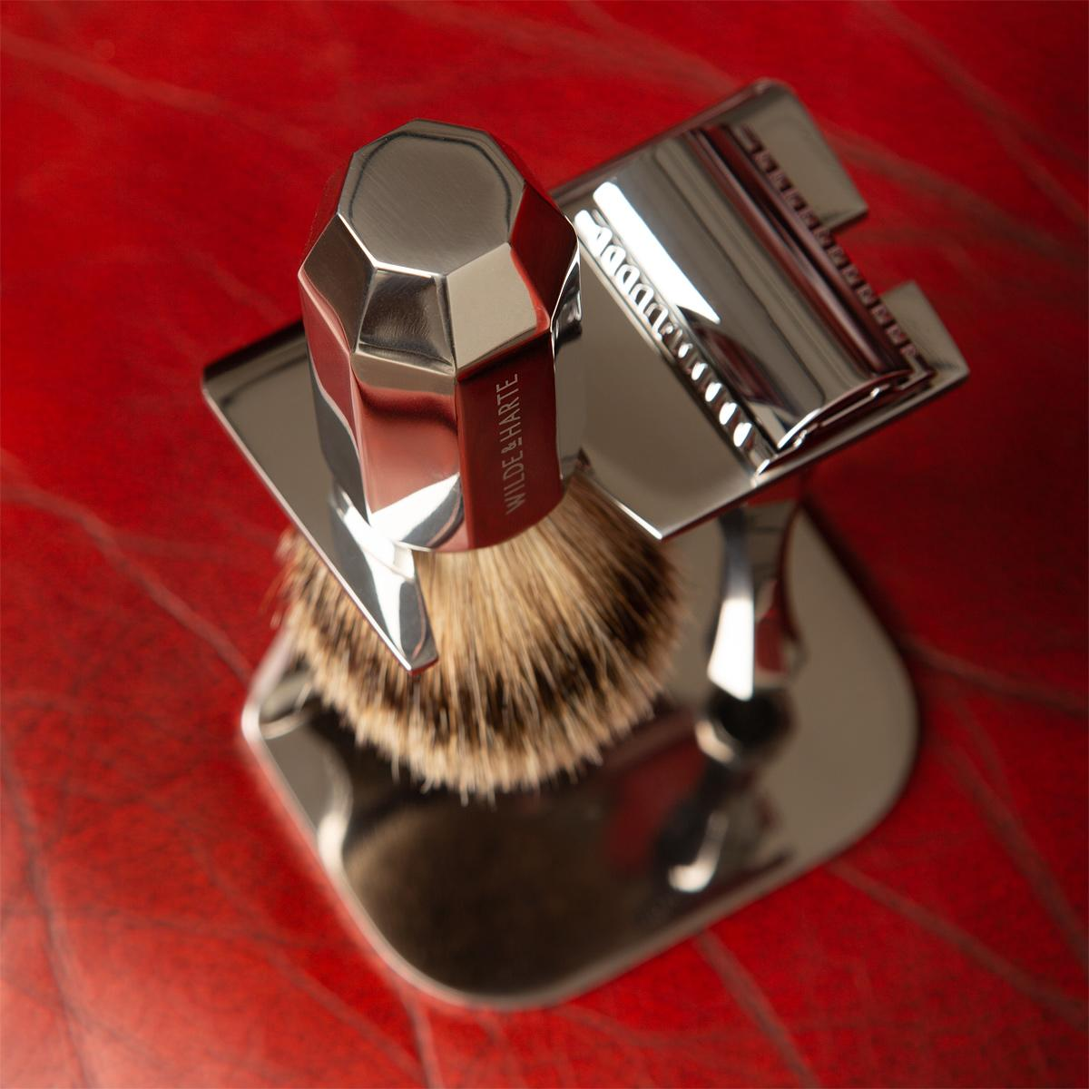 razor and badger brush shaving set