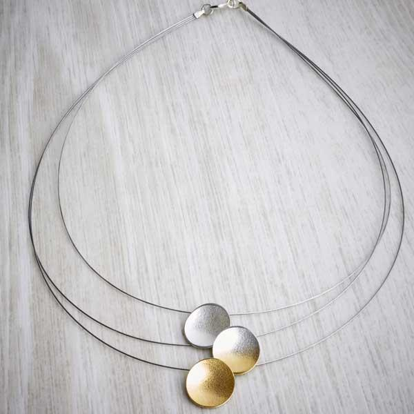 triple strand silver and gold ombre necklace detail