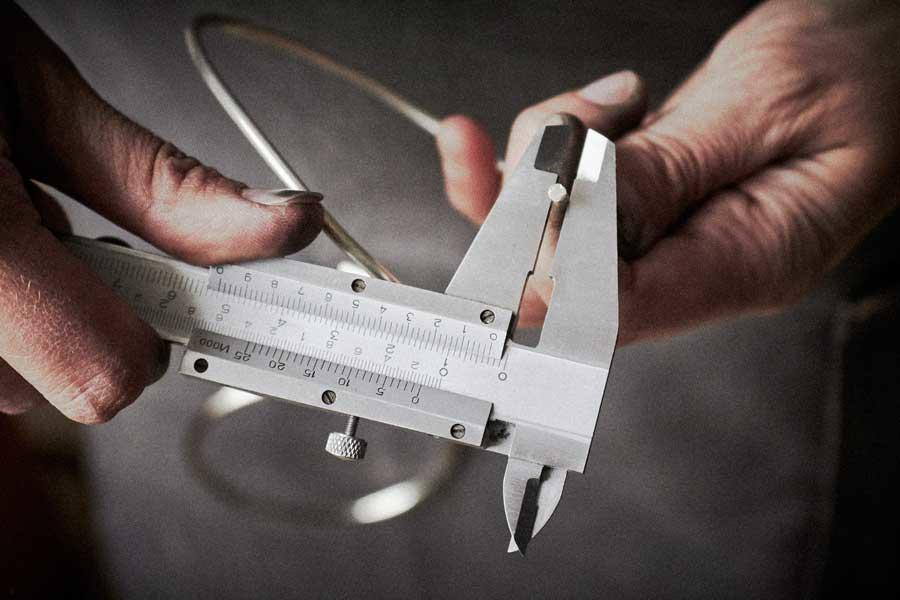 measuring hands for jewellery making