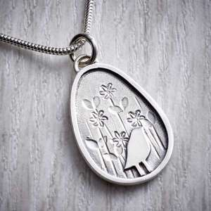 Bird in the meadow pendant by Helen Shere, Close up