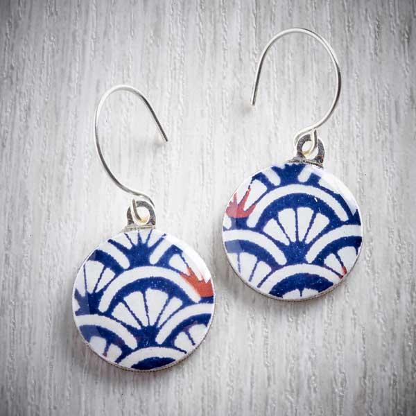 Arches Sixpence Earrings and Tiny Tin by Leigh Shepherd. Image property of THE JEWELLERY MAKERS.