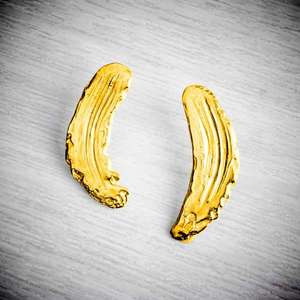 Gold Brushstroke Earrings, Becca Macdonald, photo credit THE JEWELLERY MAKERS, silver clay
