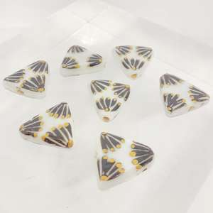 17mm White Triangle with Hand Painted Indian Black and Gold Fan Design