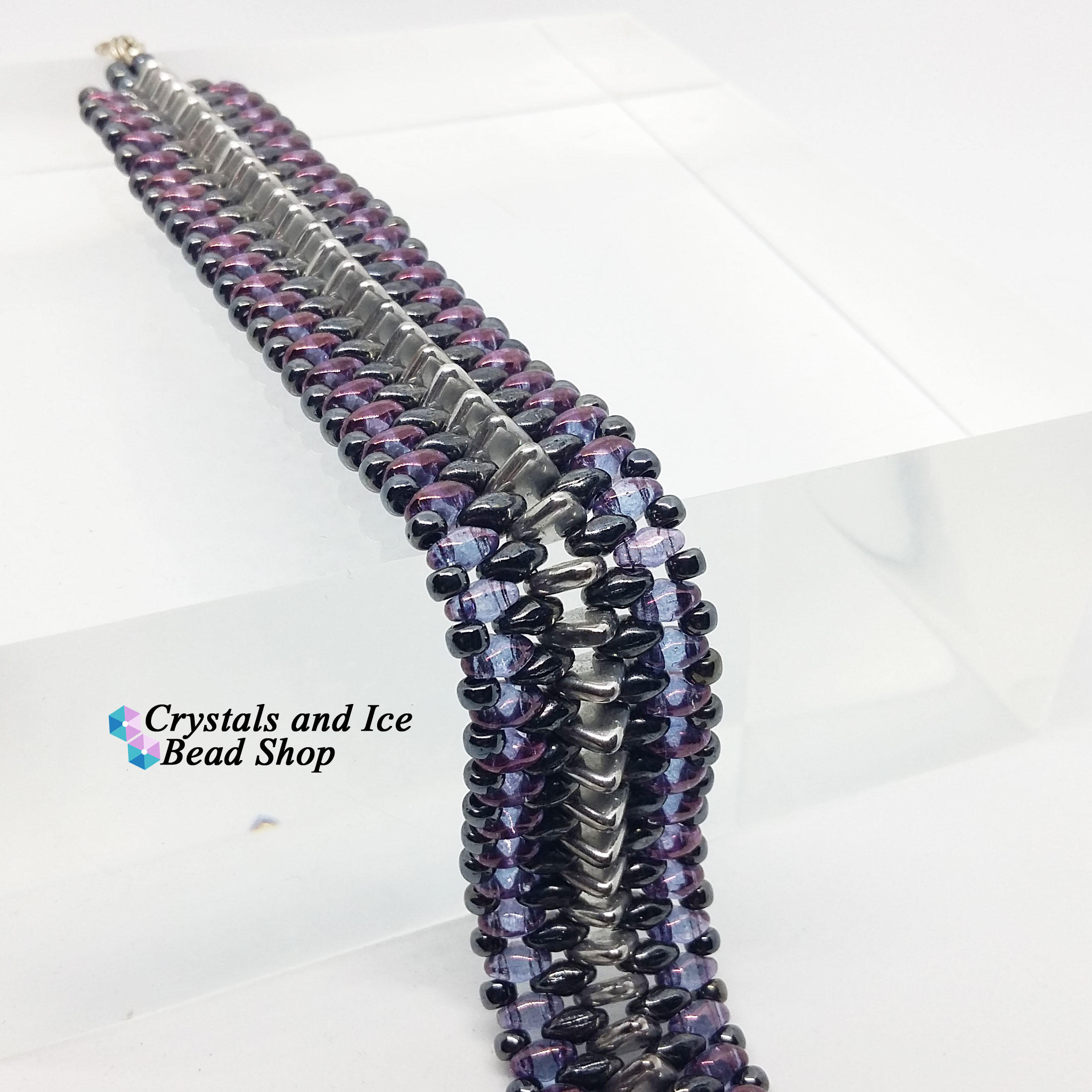 Ribbed Triangle Bracelet Kit - Renegade