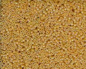 Miyuki Seed Beads 11/0 in Light Gold Trans. Matte AB