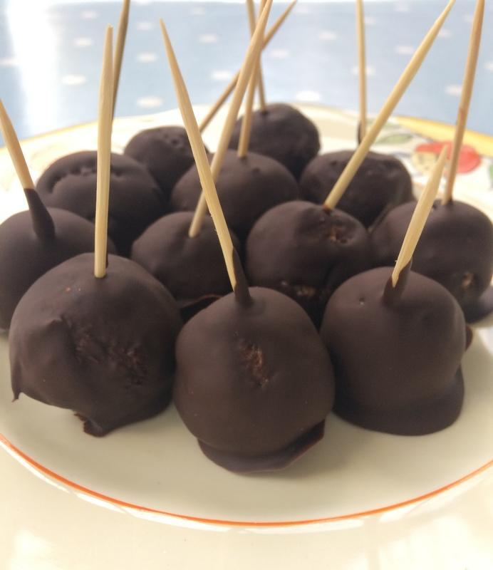 Speculaas chocolate date balls