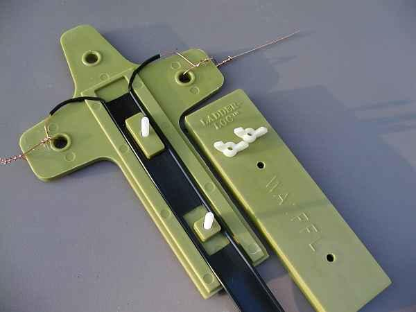 Ladder-Loc Center Part for Parallel Wire