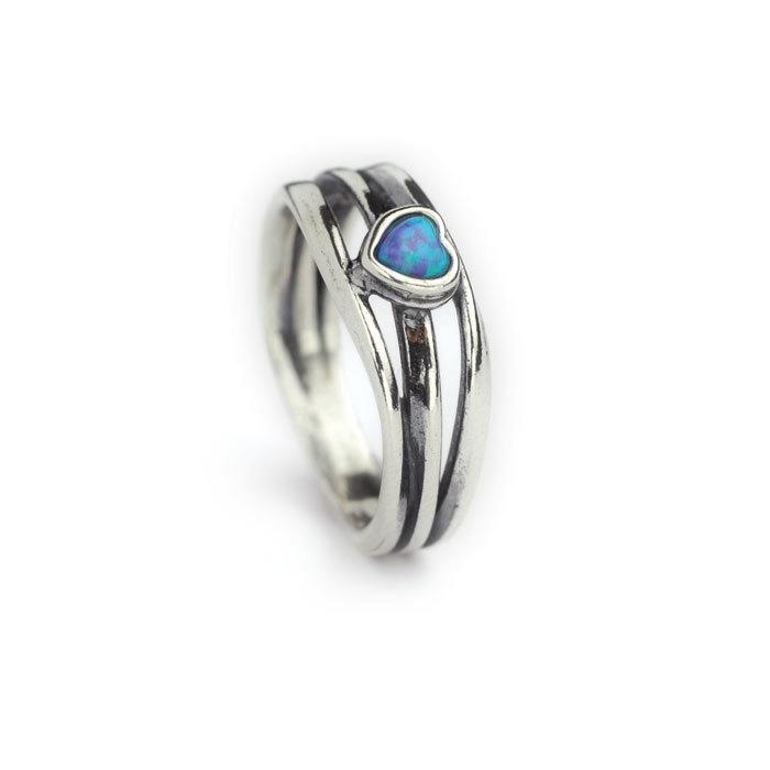 3 Strand Ring With Created Opal In Centre