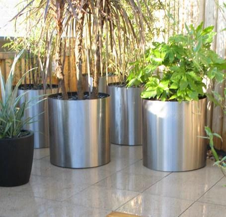 planter_stainless_steel_metal_garden_outdoor_cylinder_circular_brushed_modern_uk_kent