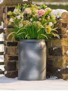 fibreglass_planter_tall_tapered_planter_modern_contemporary_garden_outdoor_weatherproof_uk_kent_bespoke