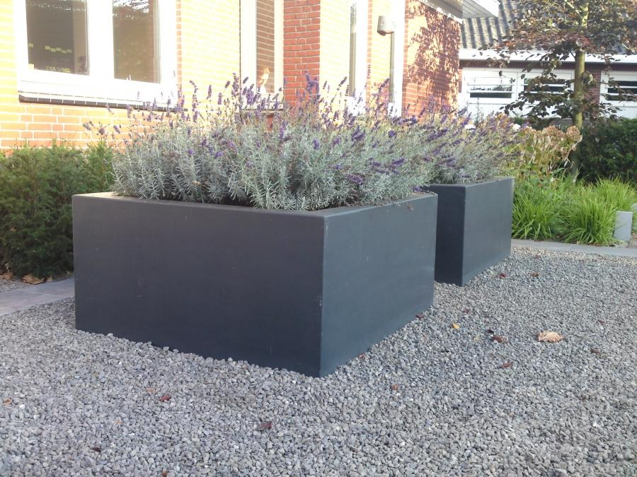 square_cube_planter_garden_fibreglass_low_large