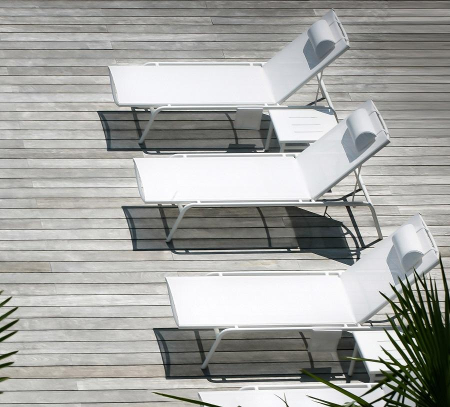 3 white modern garden sun loungers in aluminium and sling fabric
