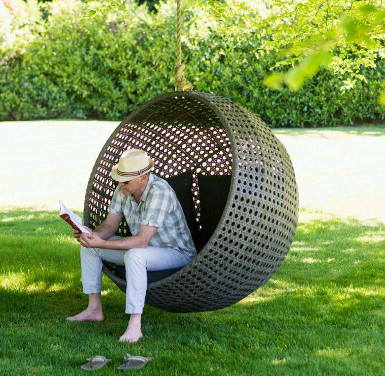 rattan_garden_hanging_chair_weatherproof_wicker_armchair