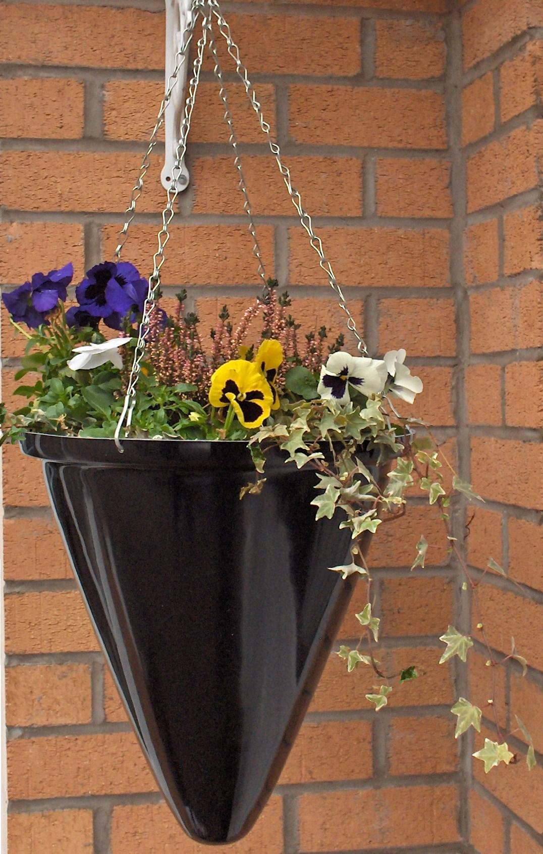 hanging_basket_fibreglass_modern_garden_contemporary_planters_uk_kent_bespoke