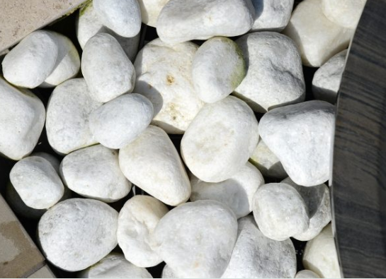 white pebbles stones garden outdoor landscaping quartzite kent uk