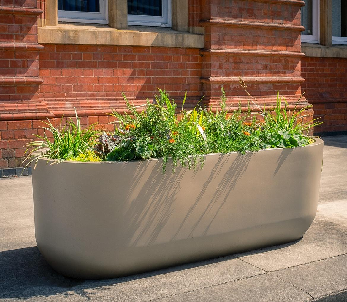 fibreglass_large_trough_planter_garden_outdoor_luxury_designer_high_quality_curved_modern_contemporary
