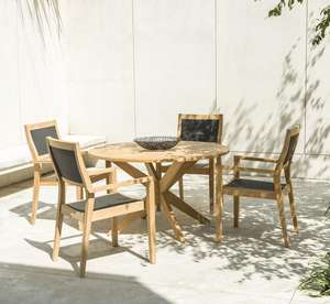 wood_round_patio_garden_dining_table_textilene_armchairs_outdoor_modern