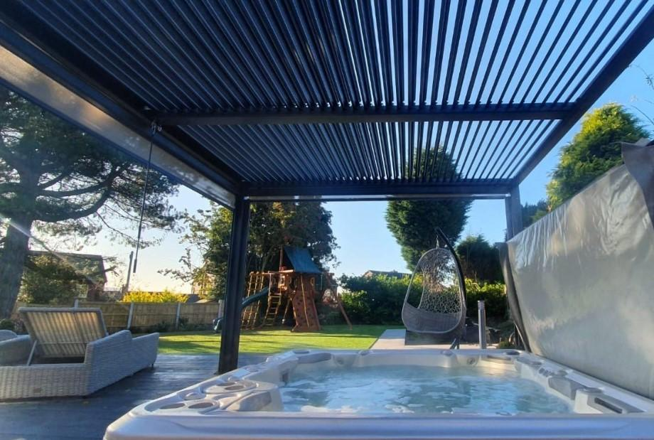 garden gazebo slatted roof with hot tub