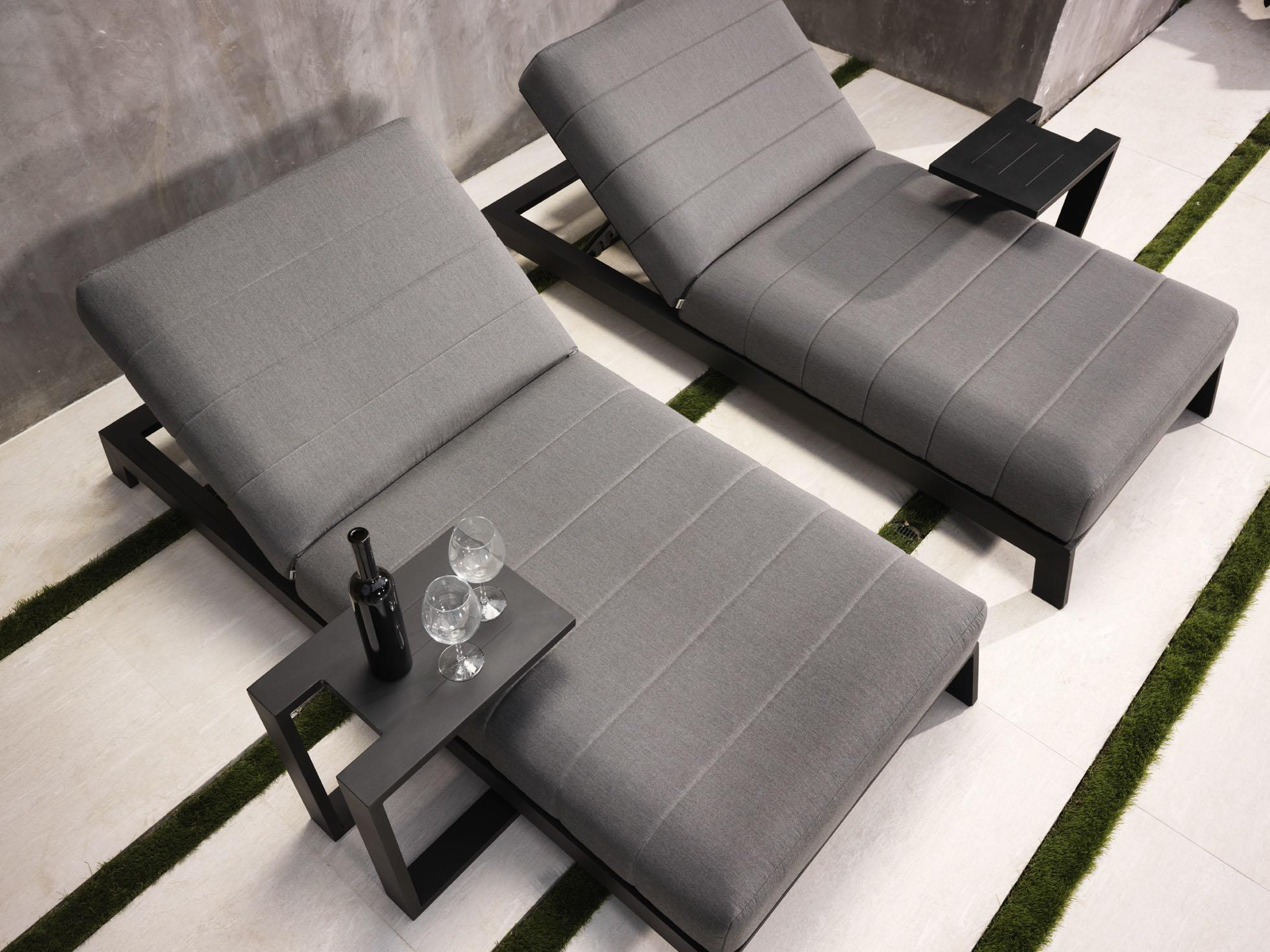 sun loungers with aluminium side tables