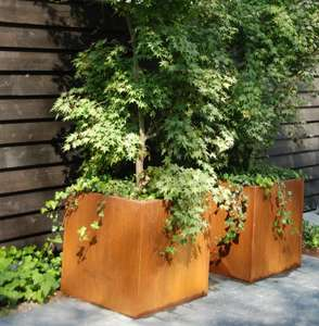 corten_steel_garden_planters_cubed_squares_outdoor_industrial_metal_modern_contemporary_uk_kent