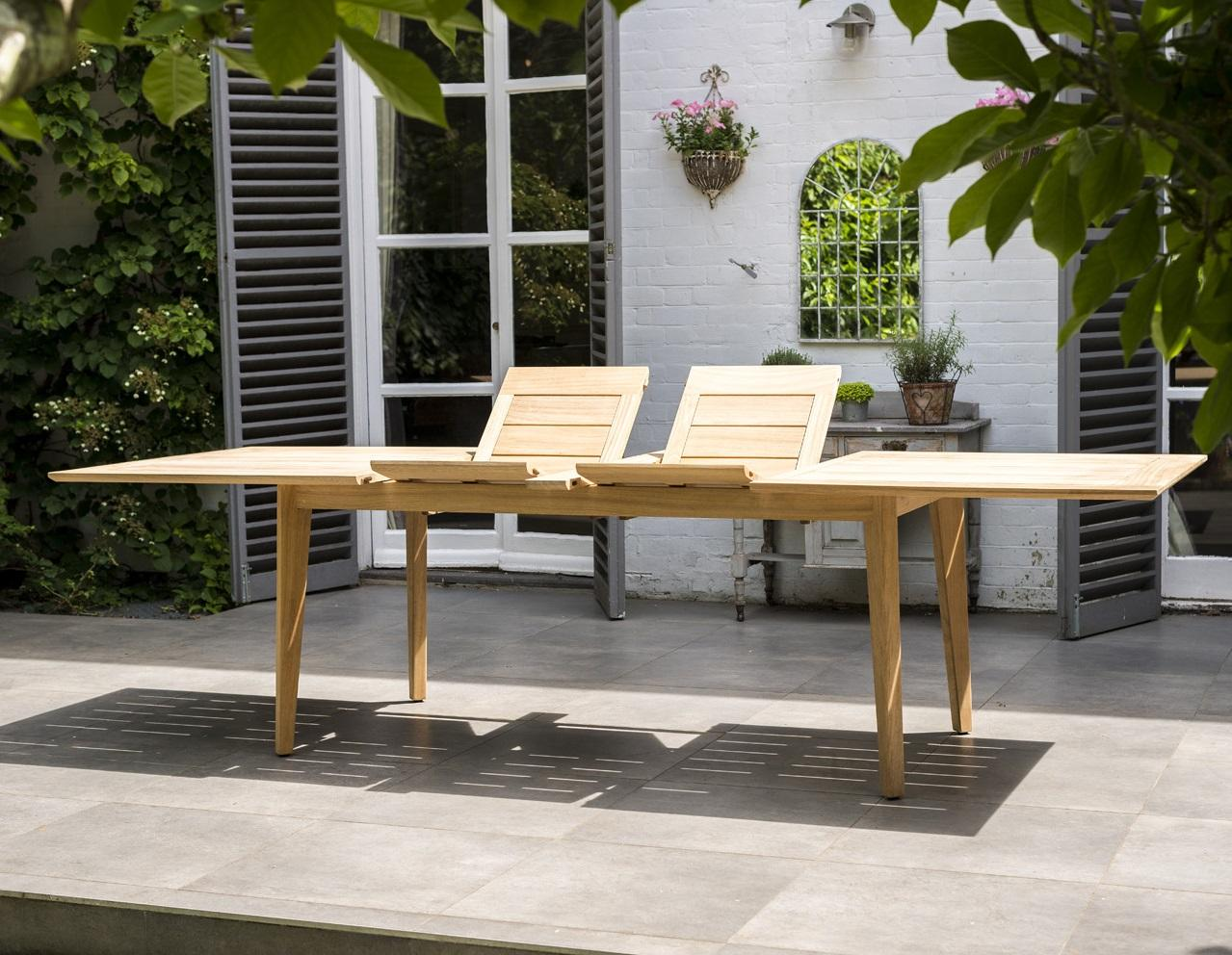 wooden_garden_dining_extending_table_furniture_patio_table_chairs_roble_hardwood_kent_uk