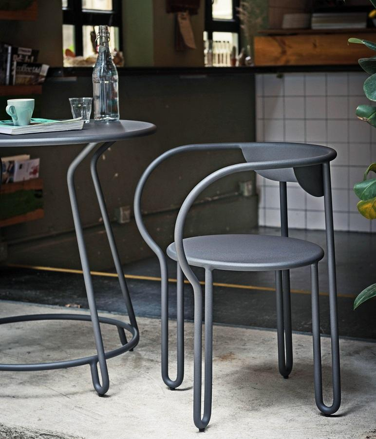modern bistro furniture set in contemporary grey powder coated aluminium