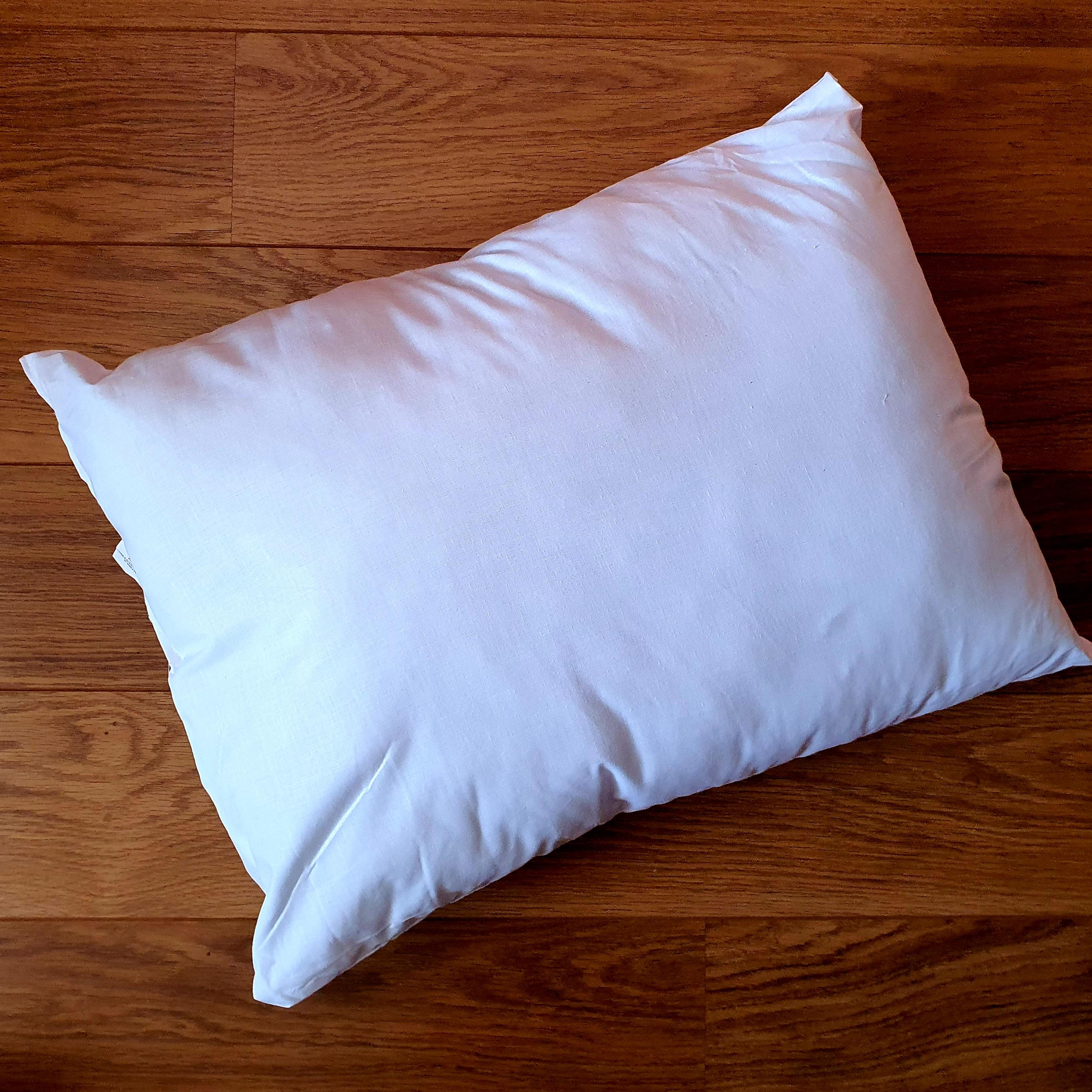 60cm x 45cm cushion inner pad generously filled with Eco-Hollowfibre made from recycled plastic bottles in white poly cotton outer cover.
