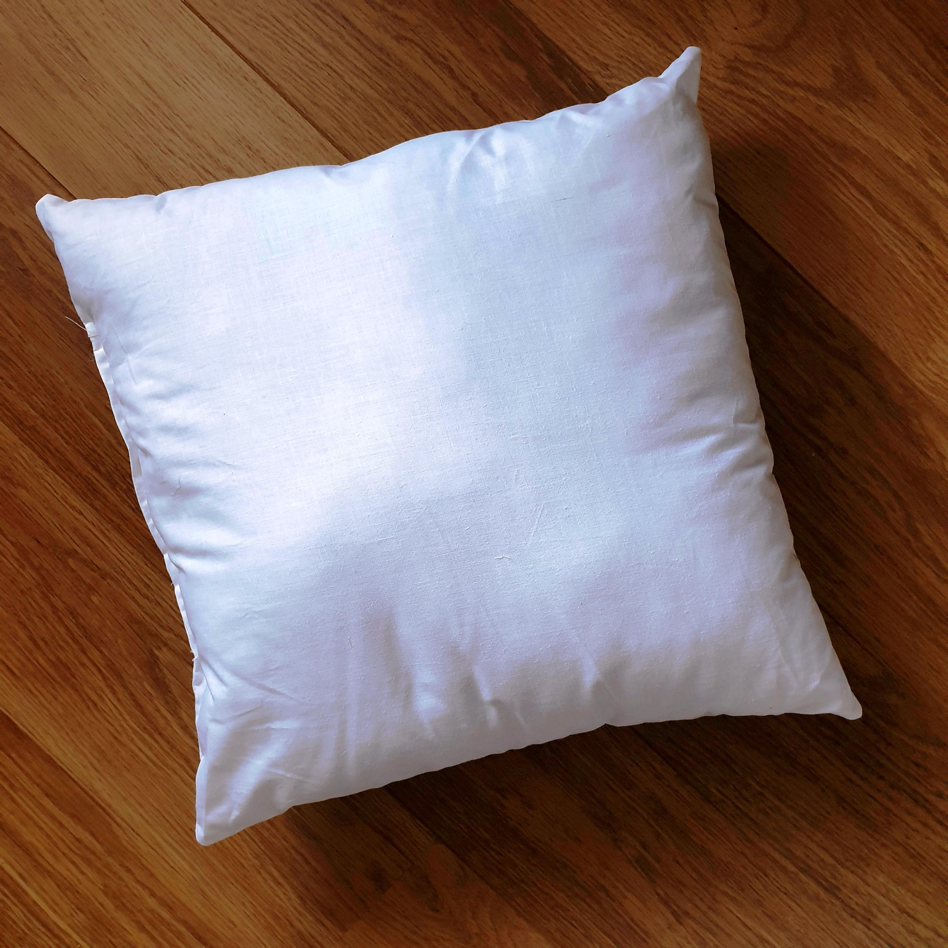 60cm cushion inner pad generously filled with Eco-Hollowfibre made from recycled plastic bottles in white poly cotton outer cover.