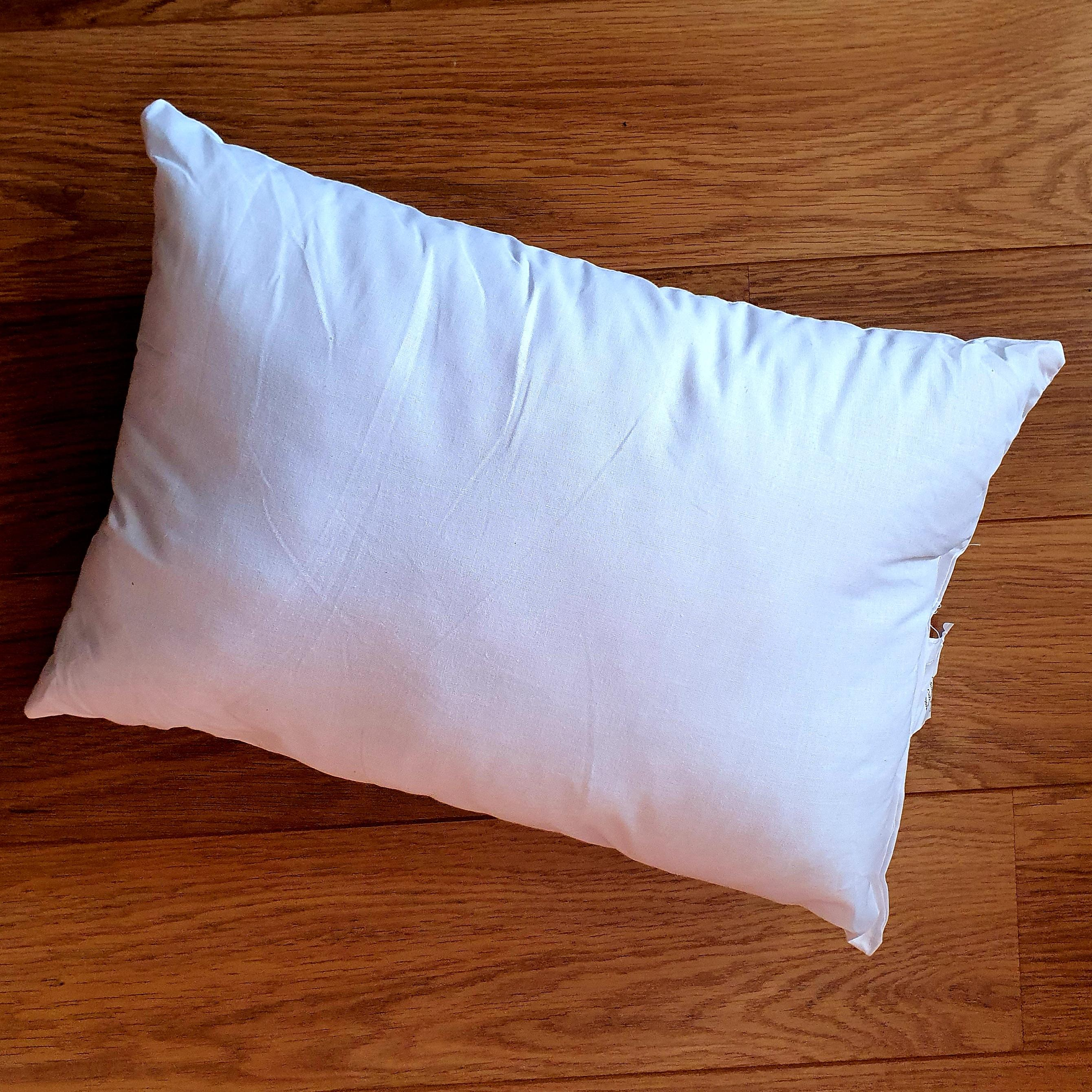 45cm x 30cm cushion inner pad generously filled with Eco-Hollowfibre made from recycled plastic bottles in white poly cotton outer cover.