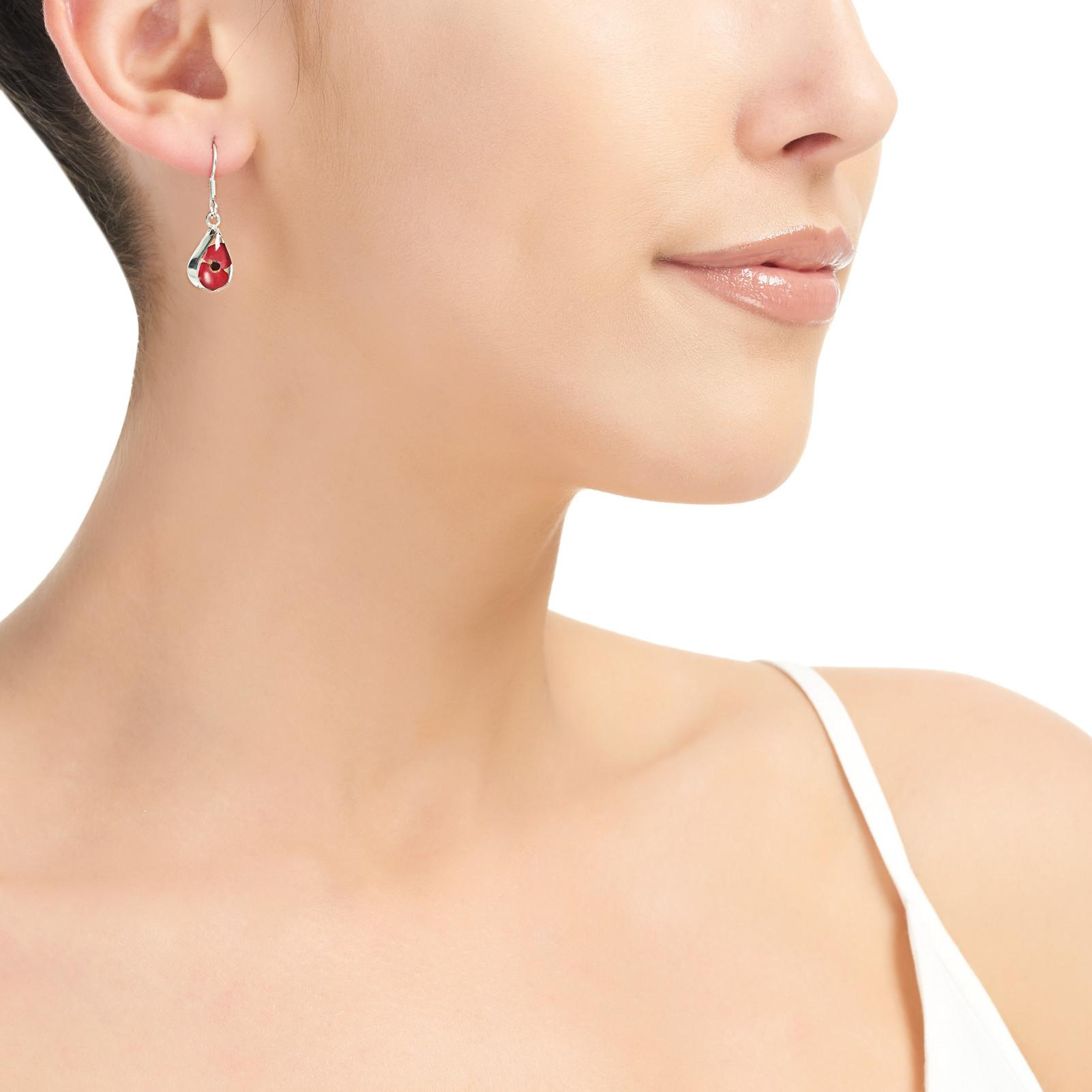 POPPY EARRINGS ON MODAL OVAL