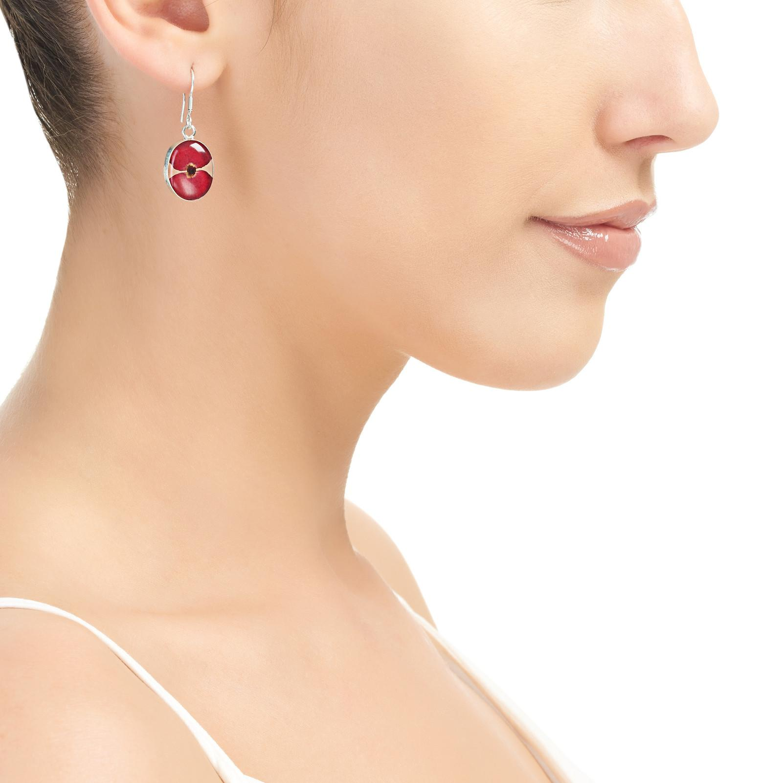 POPPY EARRINGS ON MODAL