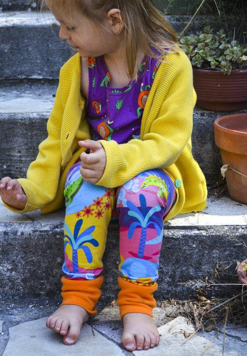merle kids dinosaur leggings model