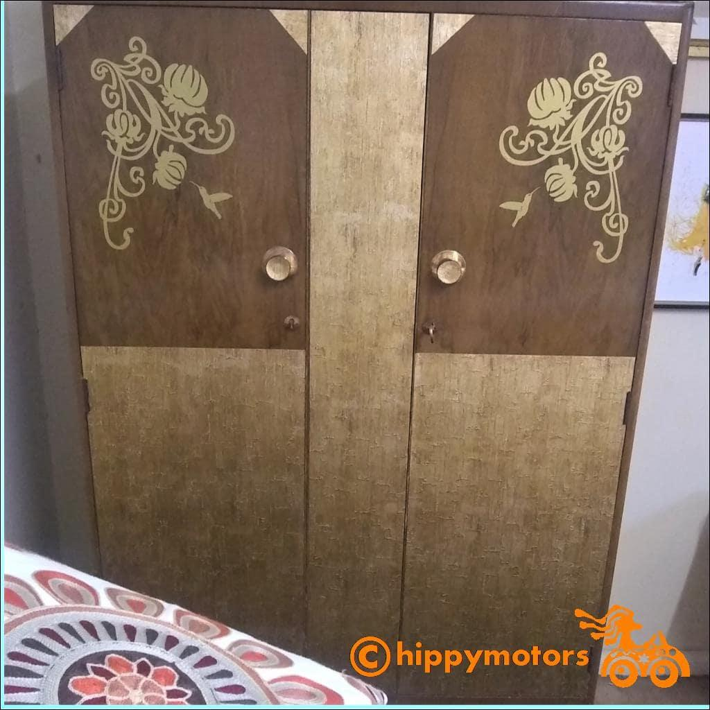 art nouveau flower corner sticker on wardrobe