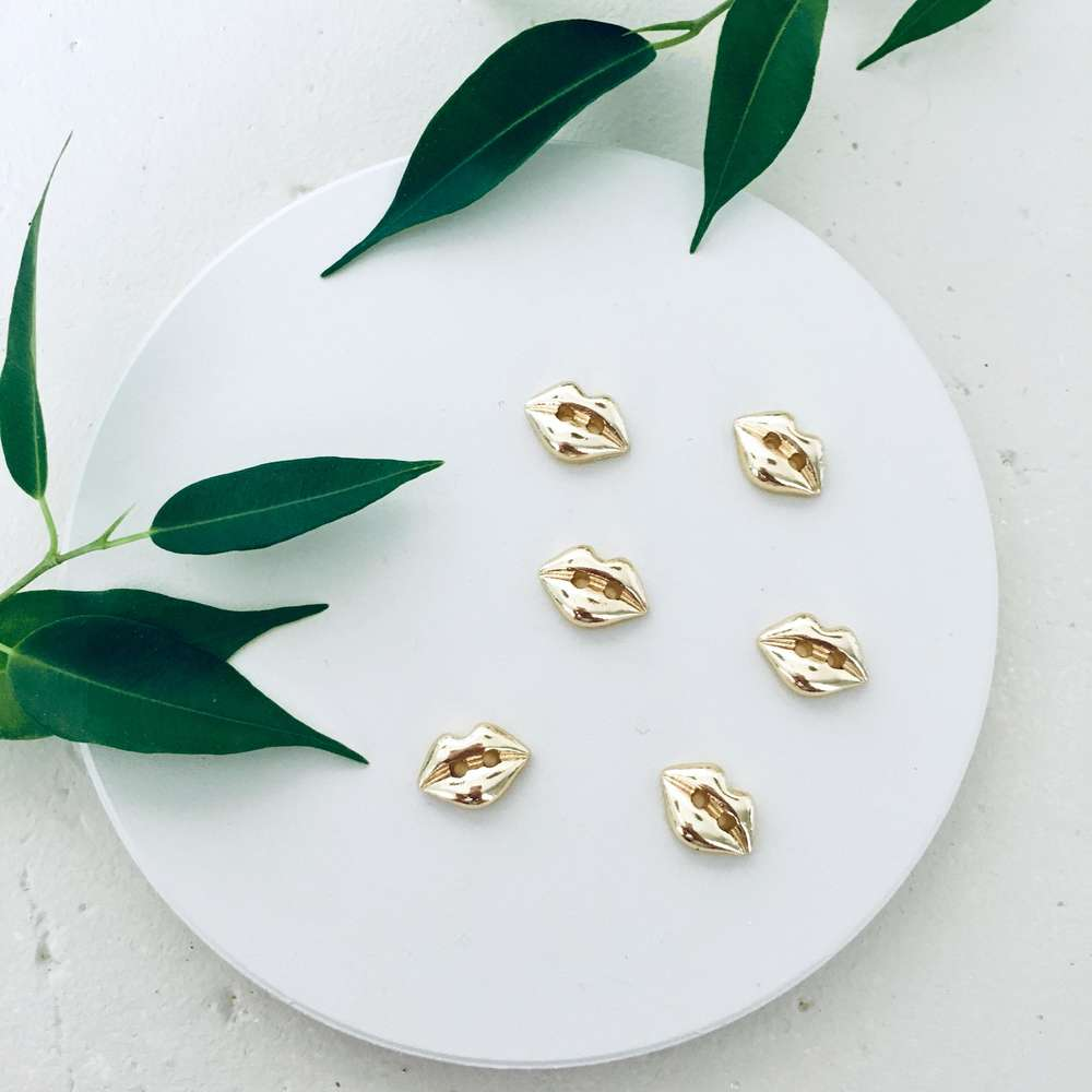 Menagerie - Gold Lip Buttons
