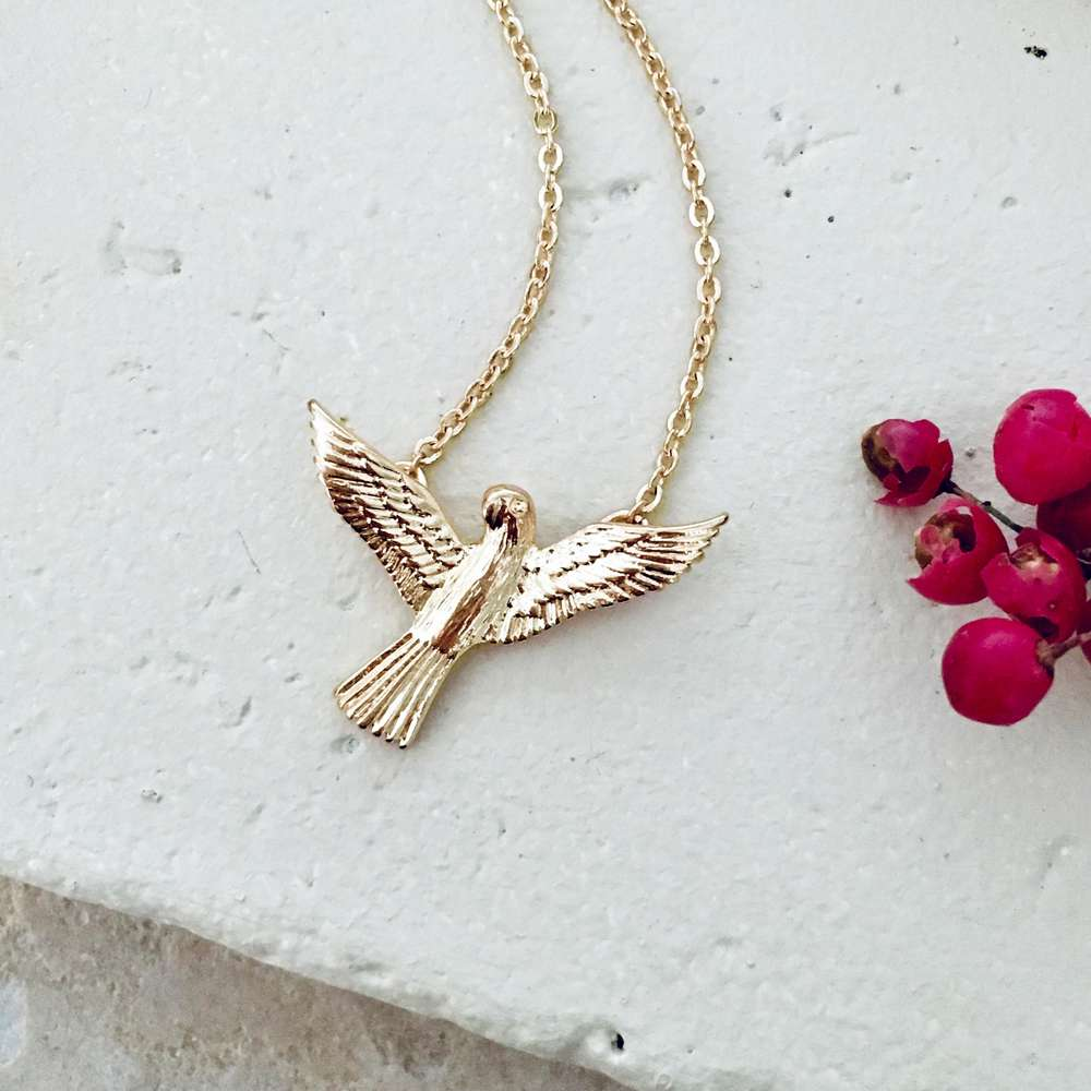 Menagerie - Gold Short Love Bird Pendant