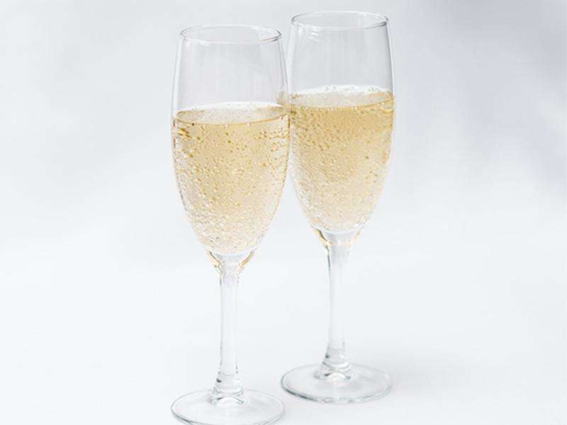 <h2>Sparkling Wines</h2><p>Cases delivered to your door</p>