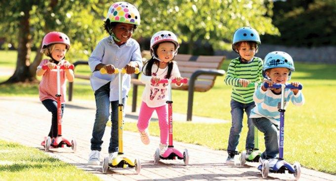 Children on scooters toymaster ballina