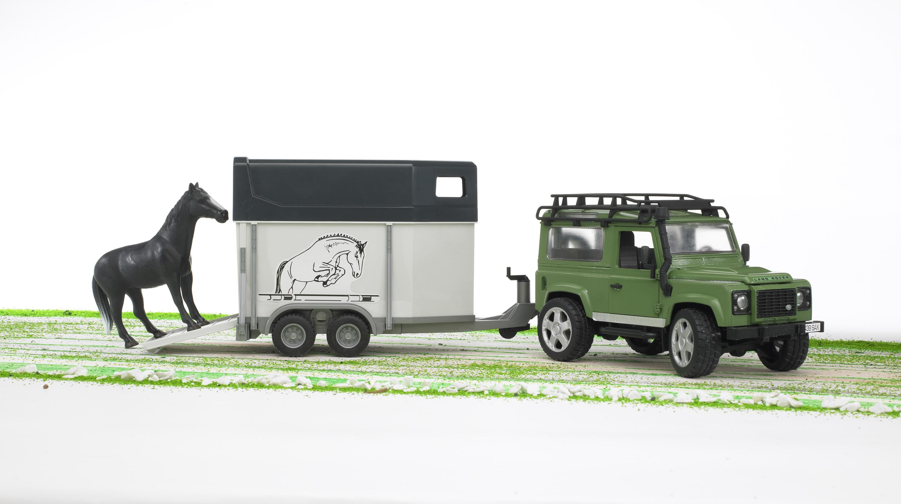 Bruder 02592 Land Rover Jeep And Trailer Toymaster Ballina