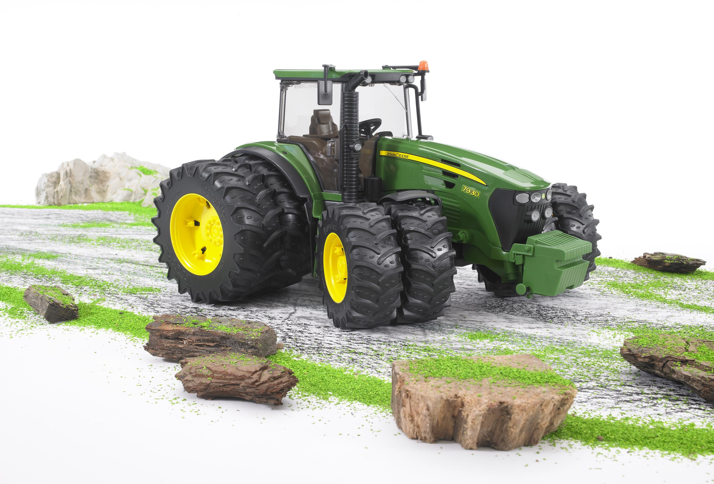 Bruder 03052 John Derre Tractor With Twin Tyres Toymaster Ballina