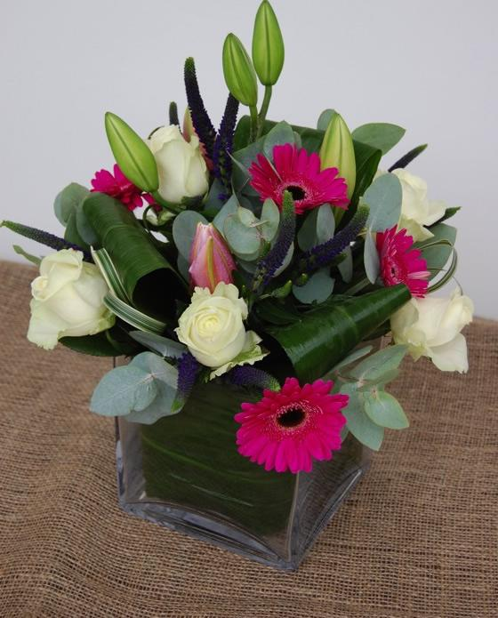 Vase flower arrangement