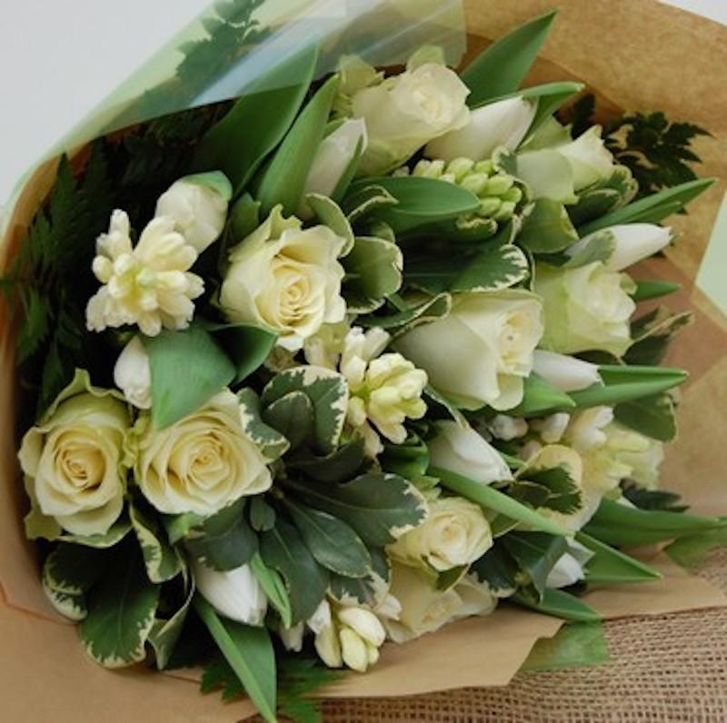Spring Vintage Bouquet - Green & white