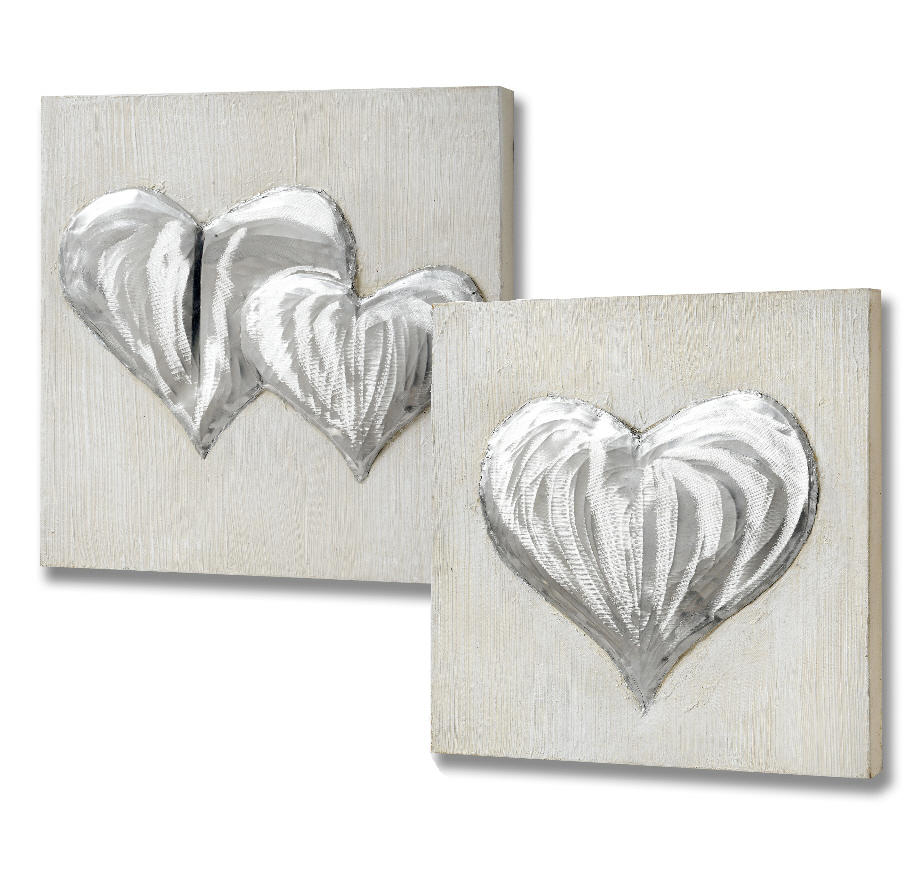 Pair of hearts in relief canvases