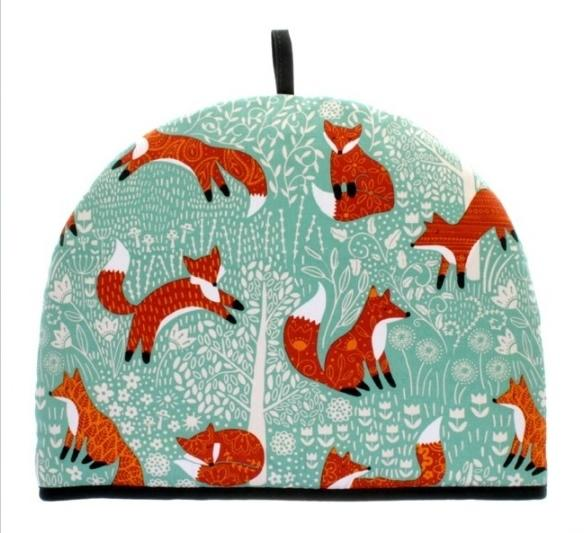 Foraging Fox tea cosy