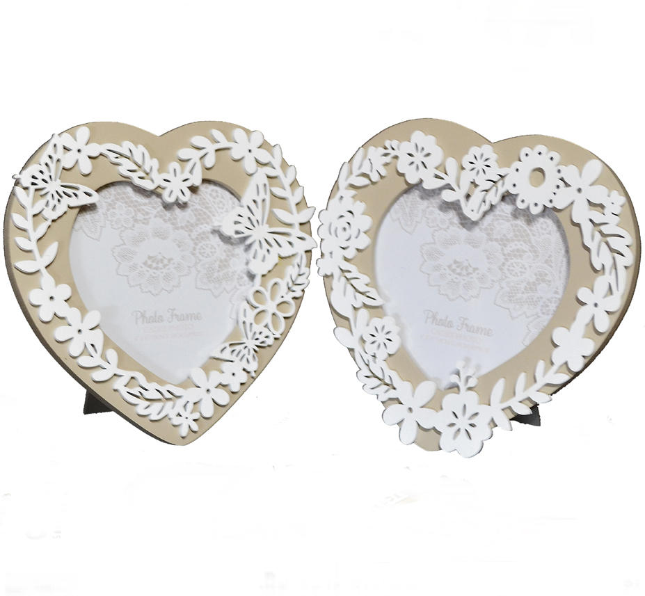 "Pair of cut out heart photo frames (4"" x 4"")"