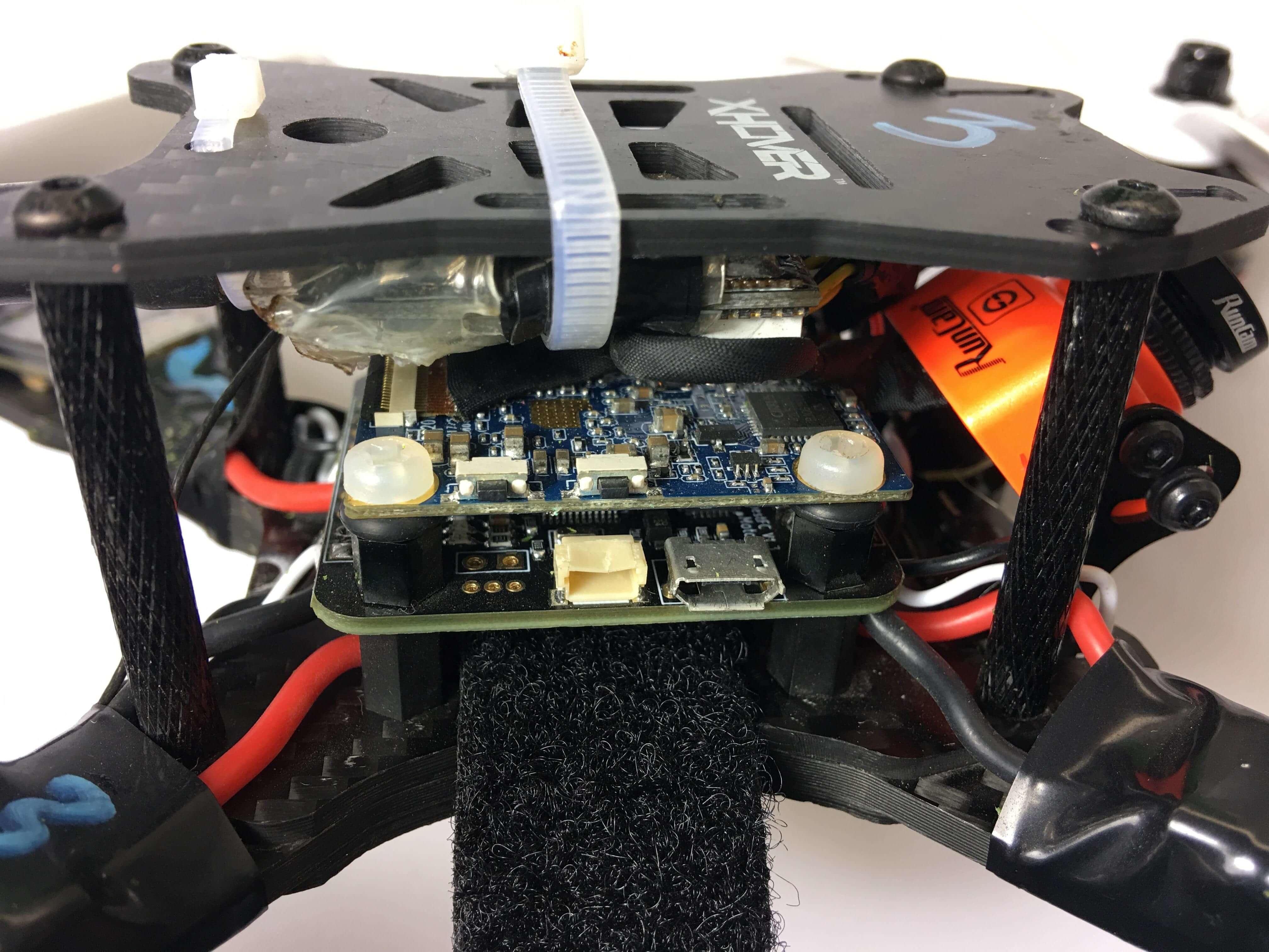 Runcam split board on racing drone