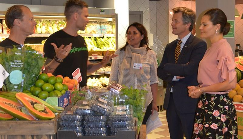 Royals are introduced to Danish organics in Sweden