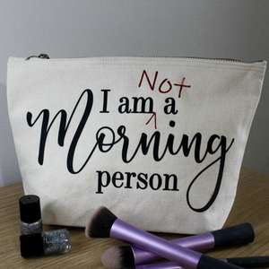 not a morning person make-up bag med