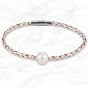 PEARLY WHITE FRESH WATER CULTURED PEARL LEATHER BRACELET